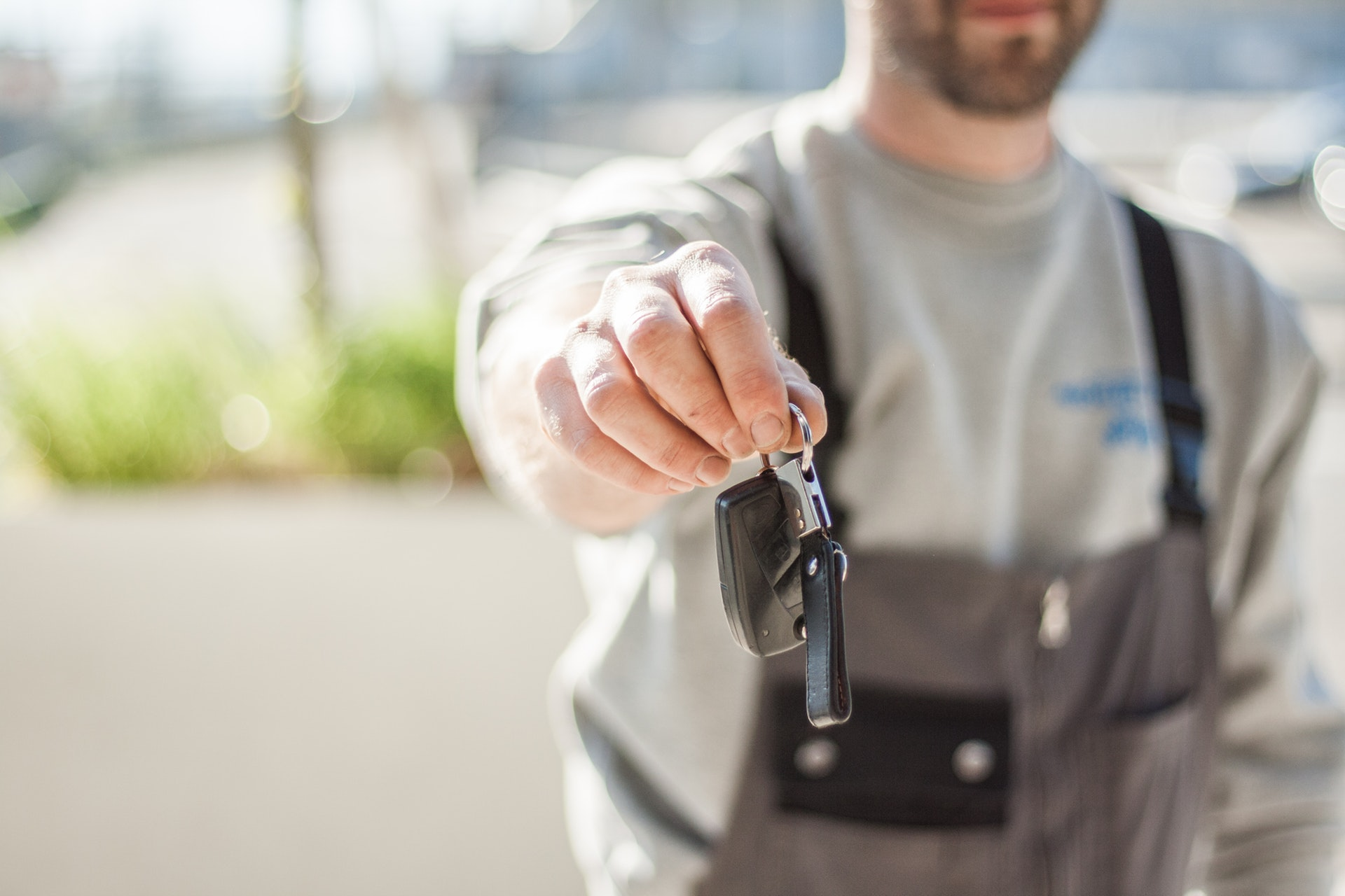 Car Rental - 4 Car Rental Tips You Should Know Before Renting One